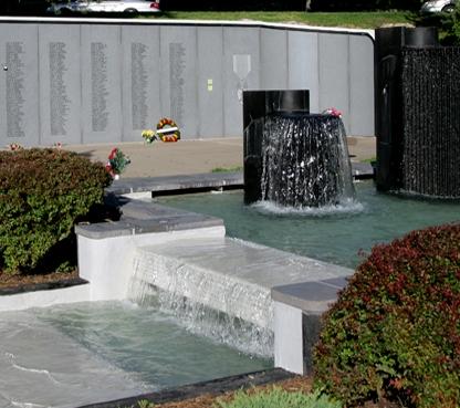Vietnam-Veterans-Memorial-1